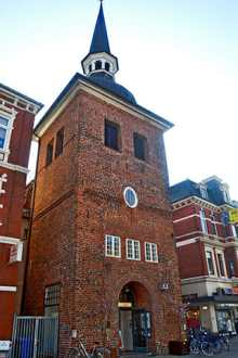 Torre ladrillo centro histórico Heiligen Geist Spital Oldenburg Alemania