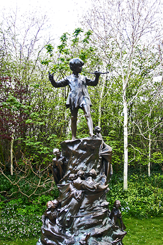 Escultura Peter Pan Hyde Park Londres
