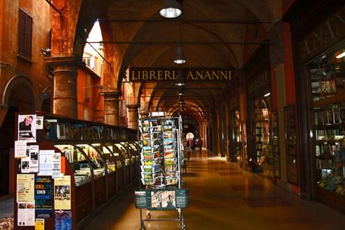 Libreria Ananni centro histórico Bolonia