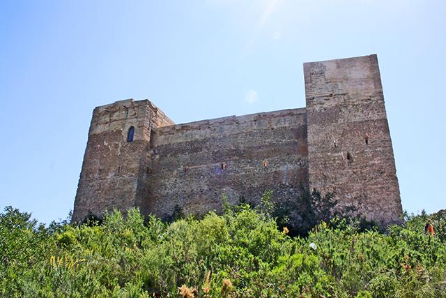 Castillo Forna Atzuvia Sierra Alicante interior