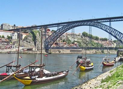 Panorámica Puente hierro Eiffel Dom Luis I río Duero Oporto
