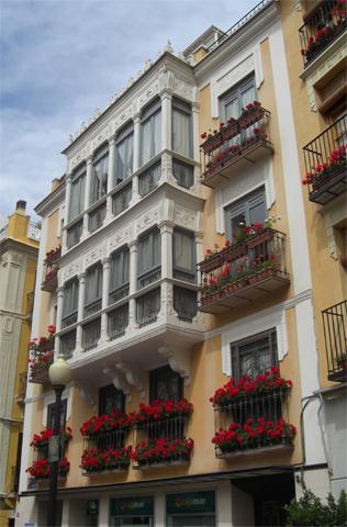 Balcones edificio plaza de Las Flores Murcia