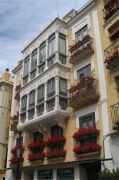Inconfundible plaza de Las Flores en la capital