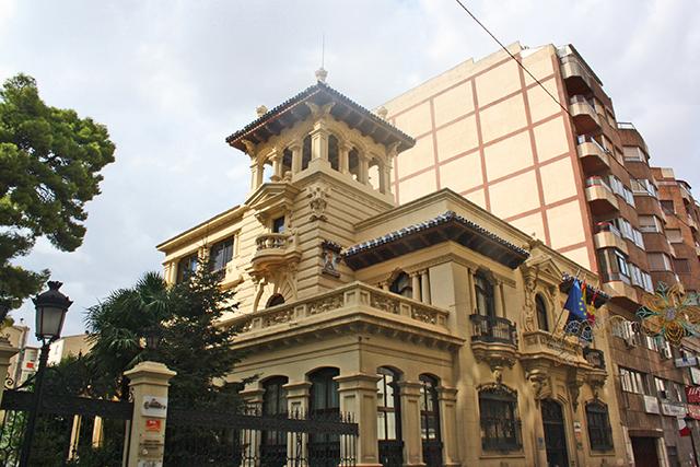 Inconfundible y neoclasica Camara de Comercio de Albacete