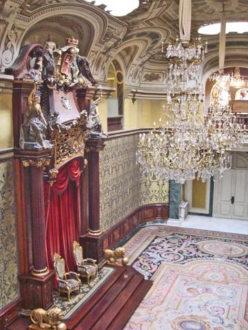 Salón interior cortinas neobarrocco Palacio Pedralbes Barcelona