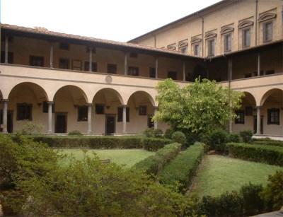 Claustro interior Palacio centro histórico Florencia