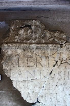 Lápida romana inscripciones Museo Maffeiano Verona