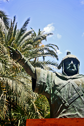 Escultura Jaime Primero conquistador Elche