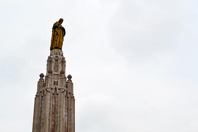 Estatua Cristo Plaza del Sagrado Corazón de Jesús Avenida Sabino Arana Bilbao