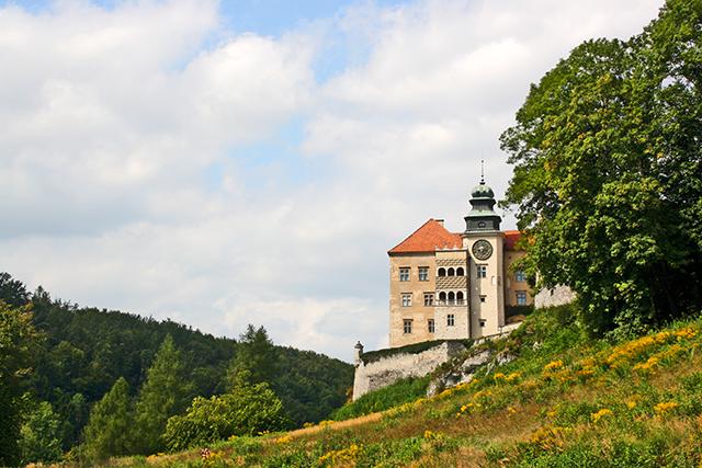 Panorámica castillo Pieskowa Skała parque nacional Ojców Polonia
