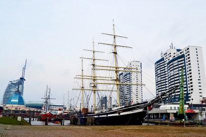 Barco siglo XVII puerto Bremerhaven Alemania