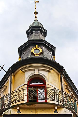 Balcón vivienda modernista clásica centro histórico Zakopane Polonia