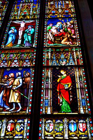 Vidrieras Basílica de la Sangre Derramada Brujas
