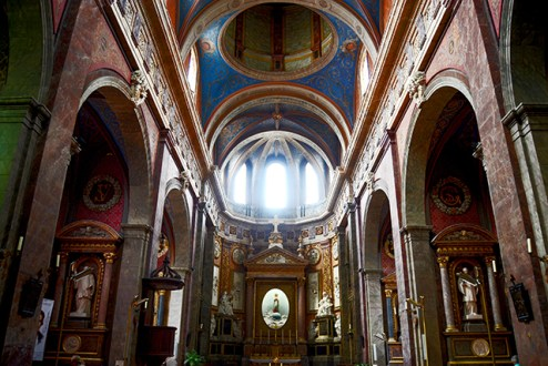 Interior decoración renacentista Iglesia San Nicolás castillo Blois Francia