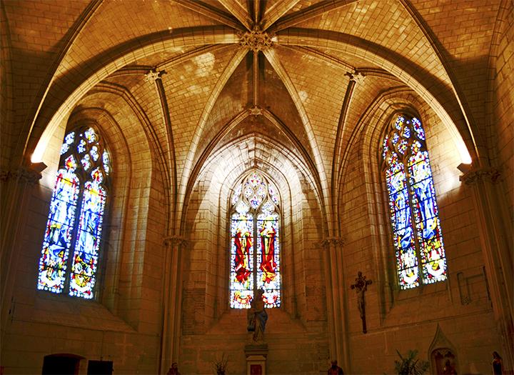 Vidrieras interior capilla St Hubert castillo Amboise