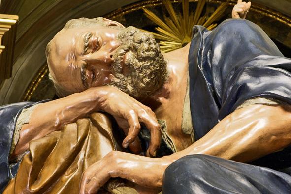 Escultura Salzillo hombre barba recostado mano Semana Santa Murcia