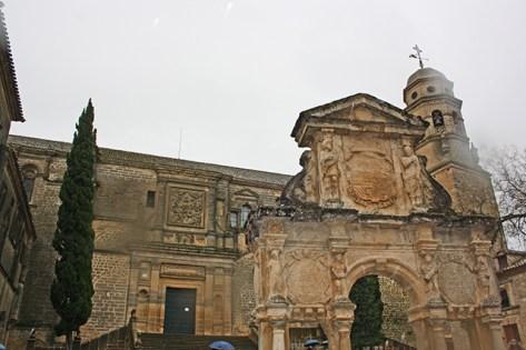 Plaza piedra casas consistoriales Plaza de Santa Maria Baeza