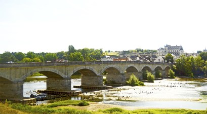Panorámica puente Wilson río Loira Tours Francia