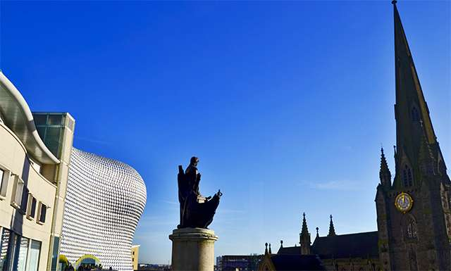 Estatua Lord Nelson plaza tiendas Selfridges & Co Birmingham