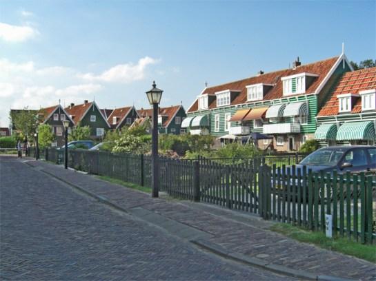 Calle centro histórico Marken Holanda