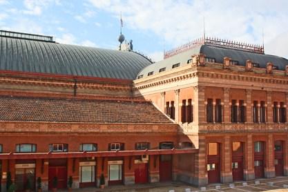 Fachada ladrillo rojo Estación tren Atocha Rafael Moneo Madrid