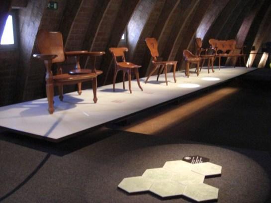 Colección sillas modernismo Antoni Gaudí La Pedrera Barcelona