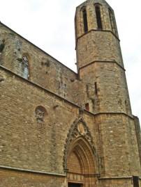 fachada torre piedra monasterio gótico Pedralbes monjas clarisas Barcelona