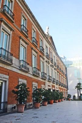 Patio fachada Museo Thyssen Bornemisza Madrid