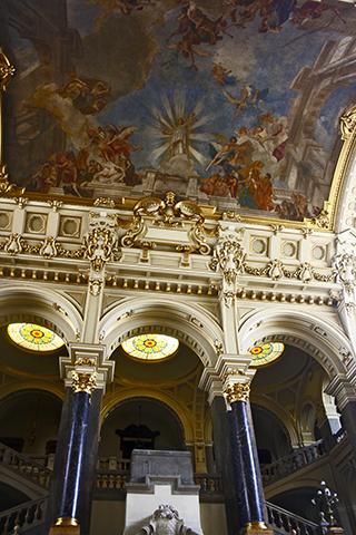 Fachada columnas Museo Neprazi Estnográfico Budapest