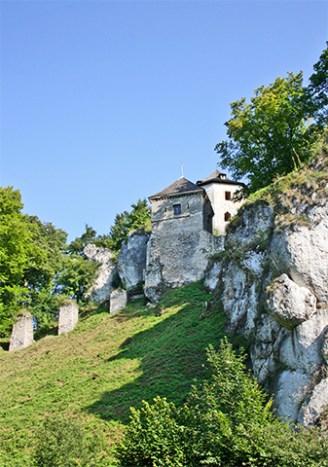 Castillo fortaleza acantilado Ojców Parque Nacional Cracovia Polonia