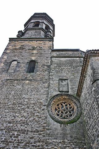 Torre iglesia rosetón renacimiento centro histórico Baeza Jaén