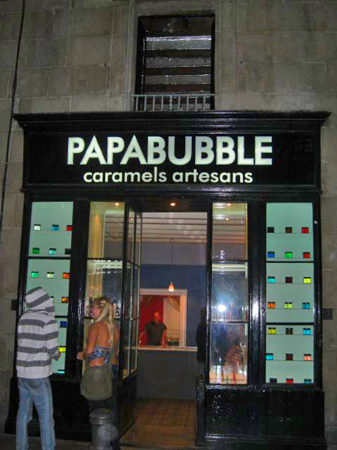 Papabubble al carrer Ample - roba de caramel