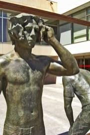 Escultura pensadores Plaça Baix Elche
