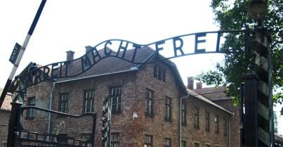 El trabajo os hará libres entrada campo concentración Auschwitz Polonia