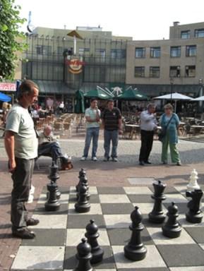 Partida ajedrez humano Waterlooplein Amsterdam
