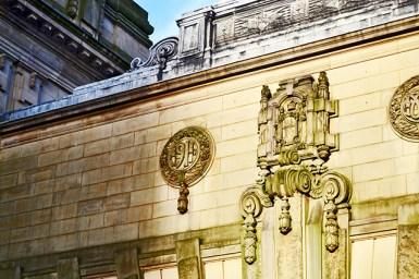 Relieves esculturas fachada ayuntamiento Birmingham