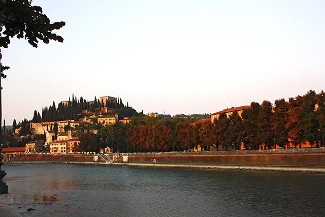 Panorámica Santa Maria in Organo Jardín Giusti río Adigio Verona