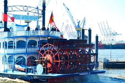 Barco turístico vapor siglo XIX puerto Hamburgo