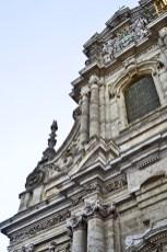 Fachada superior Iglesia San Miguel Lovaina