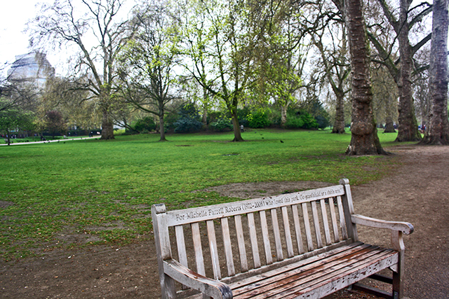 Banco madera St James Park Londres