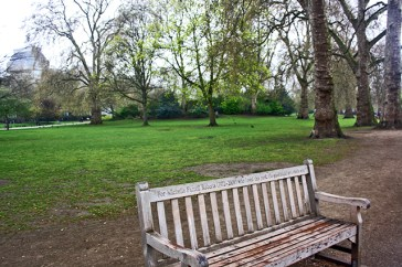 Banco madera St James Park Londres