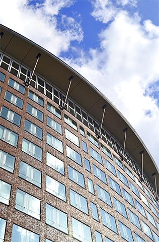 Arquitectura cristales edificio modernista Hamburgo