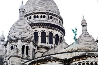 Cúpulas blancas ladrillo Basílica Sagrado Corazón Montmartre París