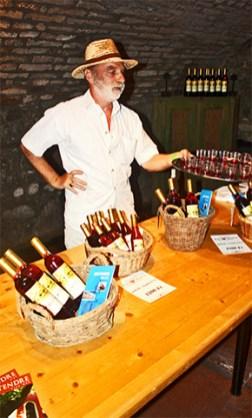 Degustación vinos comunidad Serbia Szentendre Hungría