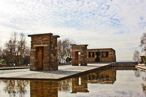 Tambien el Nilo pasa por la Capital junto al Templo de Debod