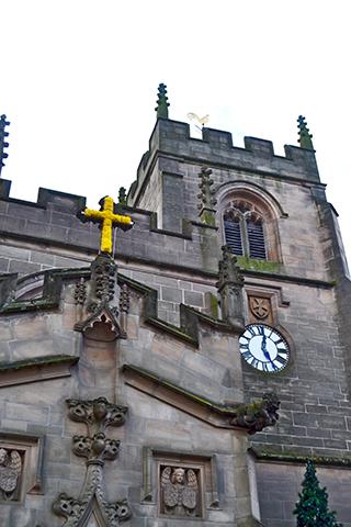 Cruz fachada Guild Chapel Stratford-Apon-Avon
