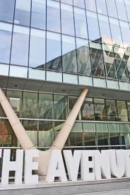 The Avenue edificio cristal tiendas Manchester