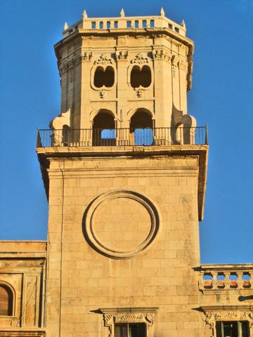 Torre neoclásica fachada Ayuntamiento Alicante