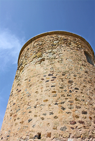 Torre piedra Siglo XV puerto Mazarrón Murcia
