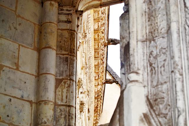 Detalles ornamentación decoración gárgolas muros fachada piedra castillo Chambord